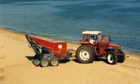 Товарачки за почистване на плажове