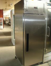 Хладилен шкаф Polar