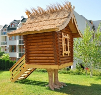 Дървени детски къщички