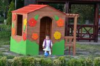 Дървена детска къщичка по поръчка