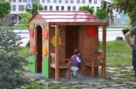 Изработка на дървени къщички за игра