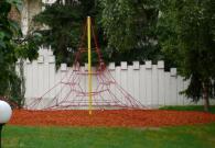 Въжени пирамиди за катерене за деца