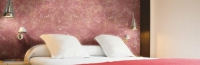 Розова мазилка за стена на спалня