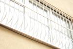 изработка на решетка за прозорци от ковано желязо