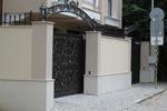 плътна портална врата от ковано желязо