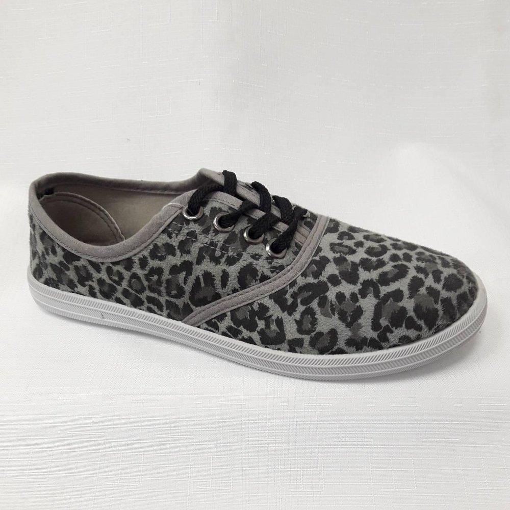 Леопардови дамски гуменки в сиво.