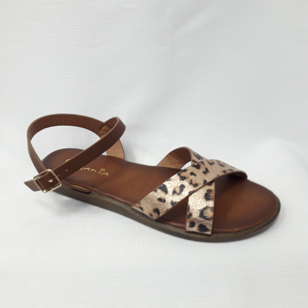 Кафяви дамски сандали от естествена кожа.