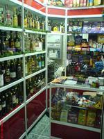 изработка на стелажи за алкохол