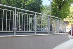 ниска метална ограда от метален профил по поръчка