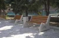 Пейки с бетон и дърво