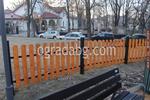Дървени огради за обществени градинки по поръчка