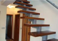 Дървени стълбища с метална рамка