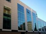 стъклени окачени фасади