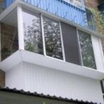 остъкляване на балкон