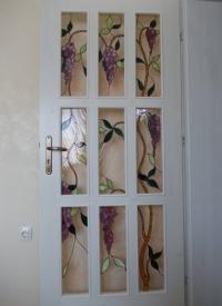 Дизайнерска врата с витражи