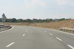 Полагане на стандартна и нестандартна пътна маркировка