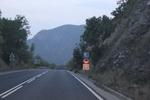 Полагане на хоризонтална маркировка с акрилатна боя за пътна маркировка