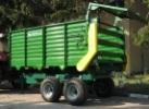 Машина за разхвърляне на оборска тор