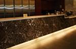 Изработката на хотелска рецепция от мрамор