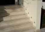 Изработка на стъпала с варовикова облицовка