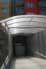 навес от поликарбонат за подземни гаражи