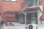 изработка на поликарбонатен навес за балкон